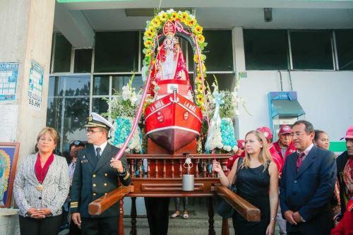 La imagen de San Pedrito, patrono de los pescadores de Chimbote, estará presente en la misa que oficiará el Papa Francisco este sábado 20 de enero en la explanada de Huancacho, uno de los lugares emblemáticos que forman parte de la visita pastoral a Trujillo, capital de la región La Libertad.