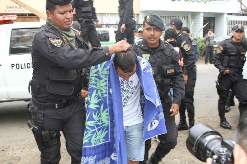 En las últimas 48 horas, la Policía Nacional del Perú (PNP) capturó a cuatro requisitoriados de la justicia por el delito de violación sexual y actos contra el pudor. Además, se detuvo a cinco sujetos denunciados por tocamientos indebidos y ultraje sexual.