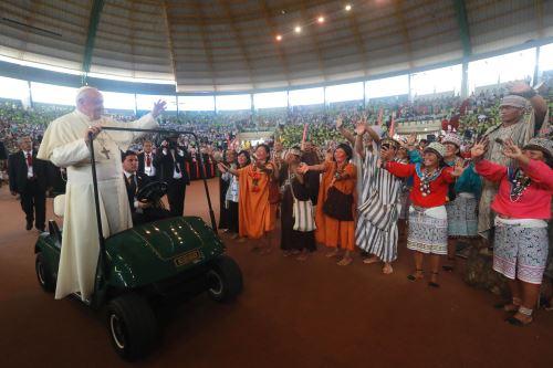 Papa Francisco se reúne con pueblos indígenas