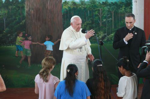 Papa Francisco visita albergue Principito