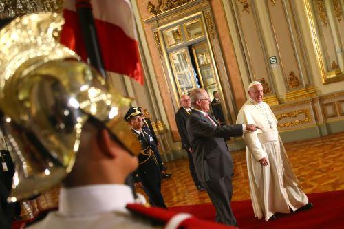 Presidente Kuczynski se reúne con Papa Francisco en Palacio