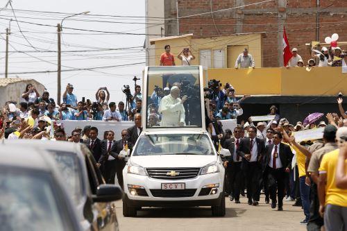 TRUJILLO PERÚ - ENERO 20. Papa Francisco recorre barrio de  Buenos Aires. Foto: ANDINA/Paul Vallejos