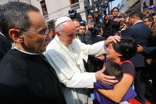 Papa Francisco visita el Templo Las Nazarenas.