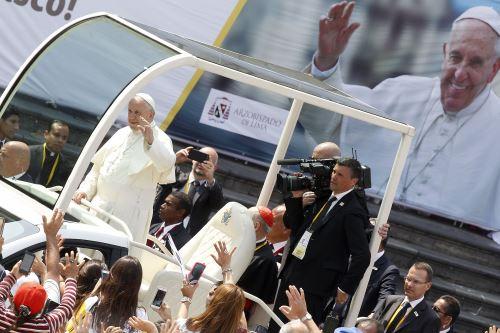 Papa Francisco: ángelus desde palacio arzobispal.