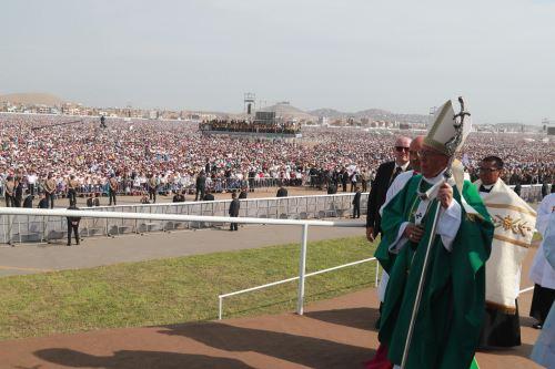 LIMA PERÚ - ENERO 21. Papa Francisco oficia misa en Base Las palmas. Foto: ANDINA/Carlos Lezama