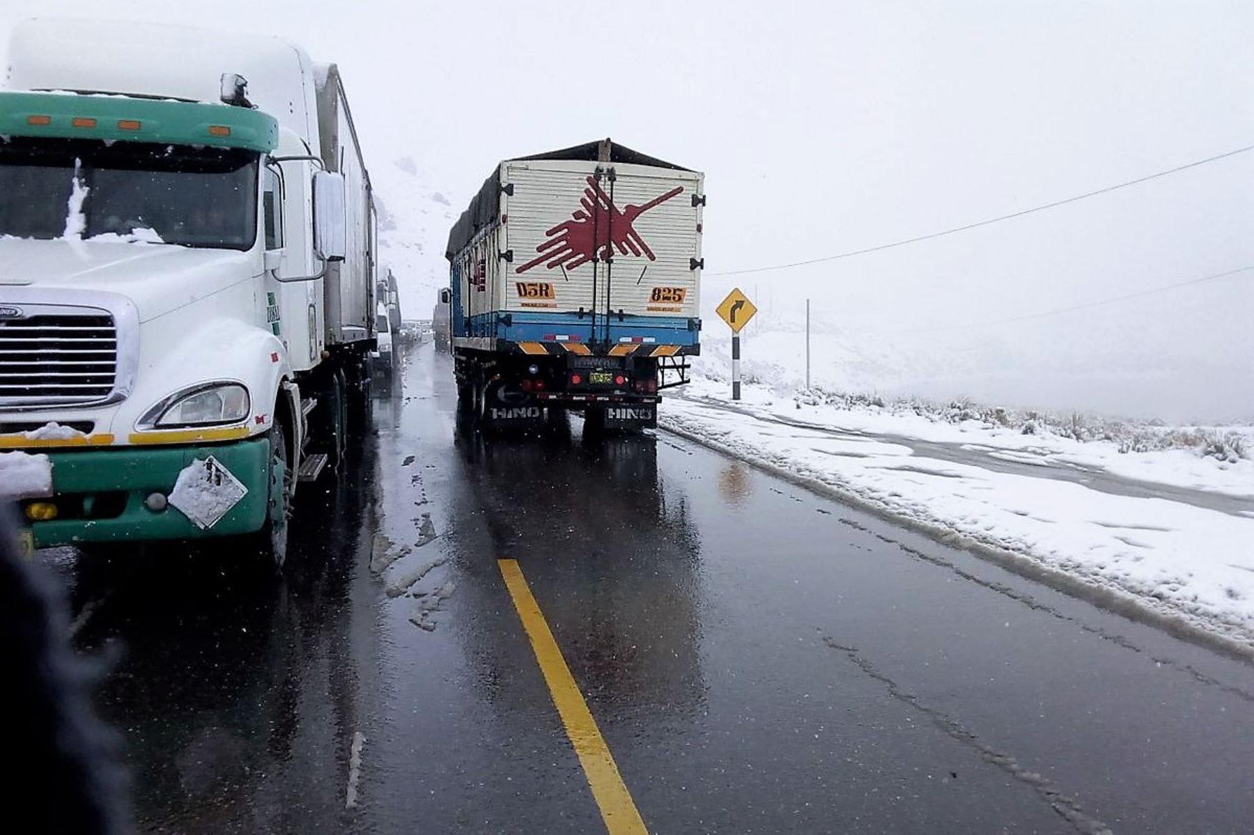 Se normaliza tránsito en la carretera Central al culminar limpieza de nieve. ANDINA/Difusión