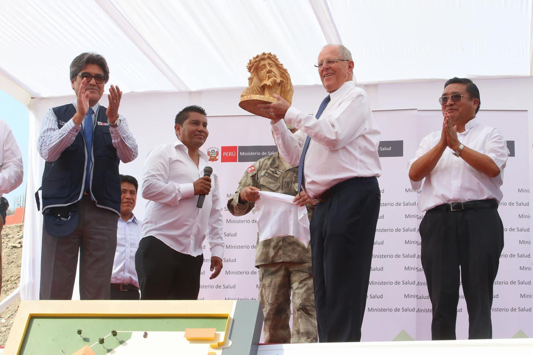 PPK entrega terrenos para construir hospital