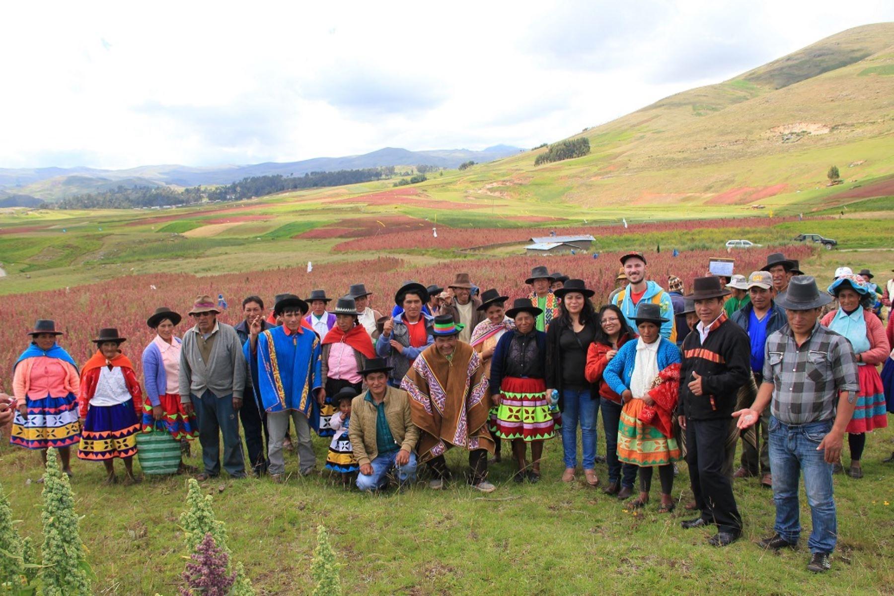 Productores de Andahuaylas que exportan a Italia. Foto: Cortesía Mincetur.