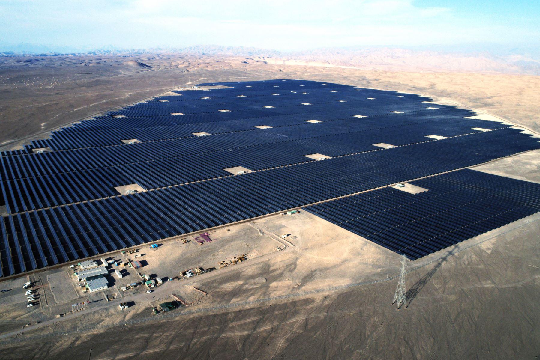 En Moquegua entrará en funcionamiento la planta solar más grande del Perú, destaca Osinergmin. ANDINA/Difusión