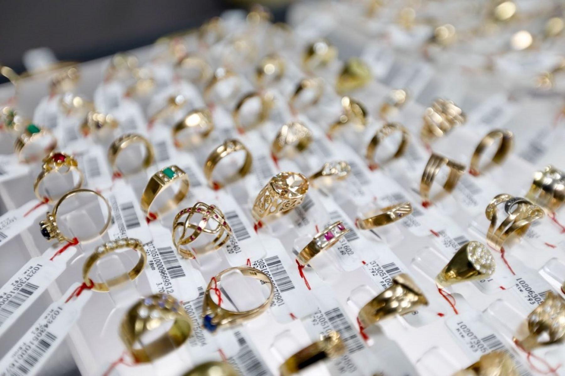 Caja Metropolitana pondrá a la venta joyas de oro. Foto: Difusión.