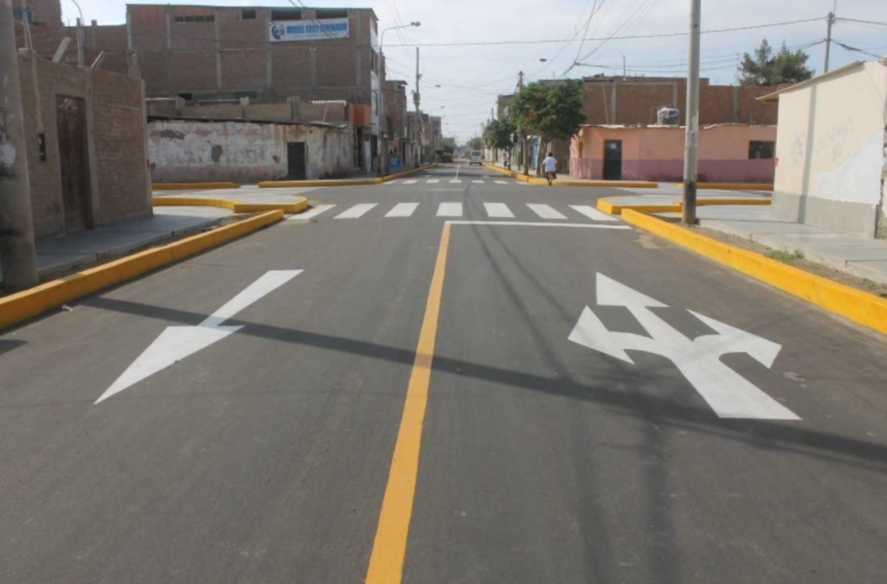 La municipalidad distrital de La Victoria, a través de su Gerencia de Desarrollo Urbano, ejecutará un paquete de obras de pavimentación con una inversión de 3.5 millones soles, con recursos propios, informó el alcalde Anselmo Lozano.