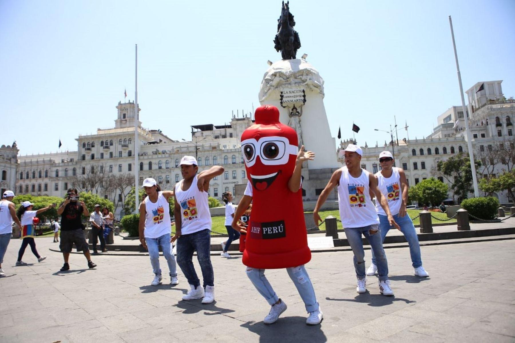 Día Internacional del Condón: campaña recorrió calles de Lima