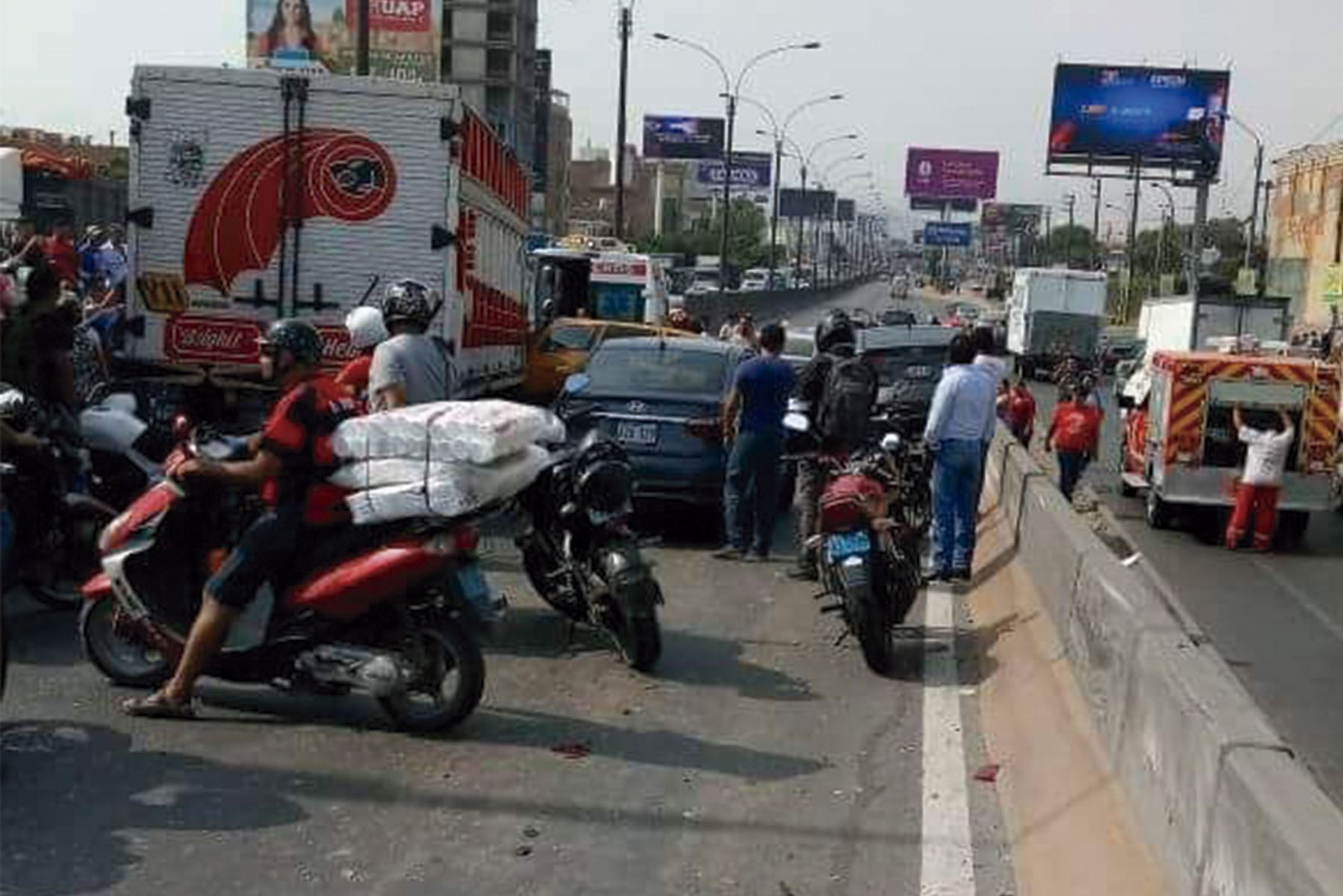Choque múltiple causó congestión esta tarde — Panamericana Norte