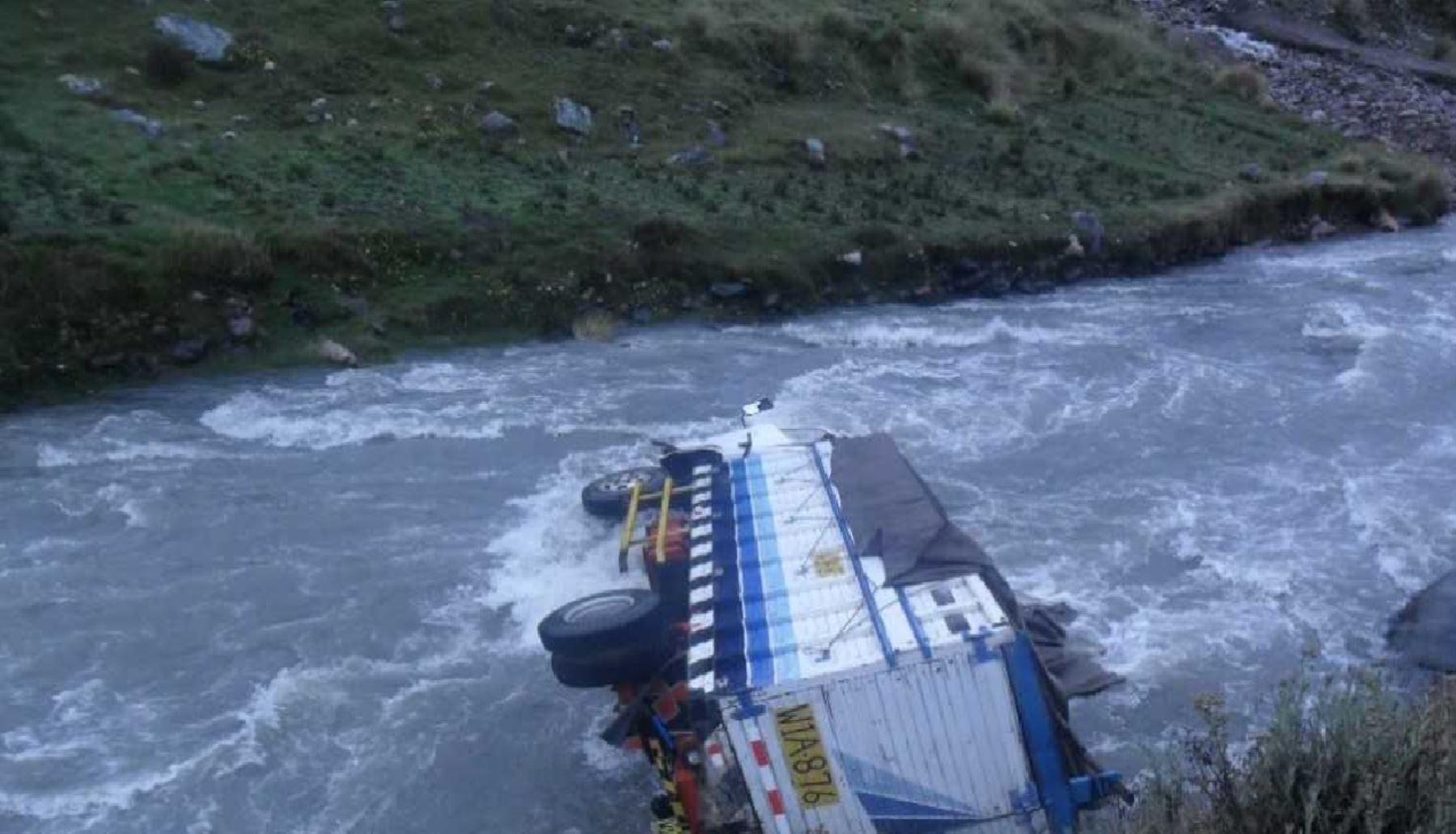 Cuatro muertos y cinco heridos en accidentes vehículares — Cusco