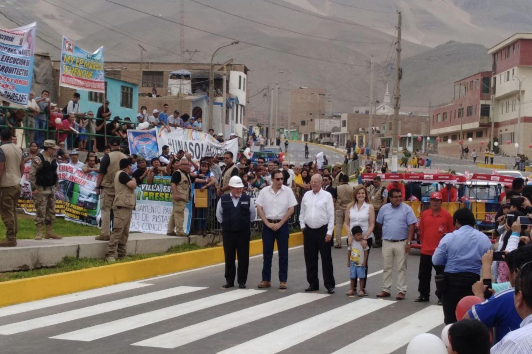 Construcción de pistas en Ancón. ANDINA/Prensa Presidencia
