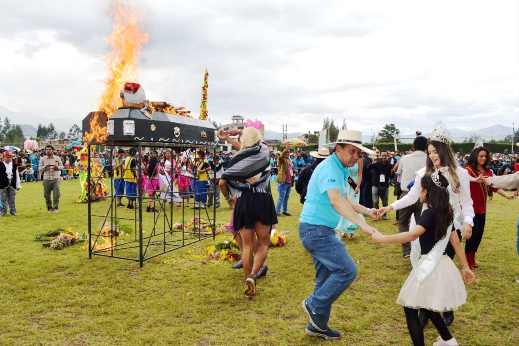 Concluye el carnaval de Cajamarca con despedida al Rey Momo. ANDINA/Eduard Lozano