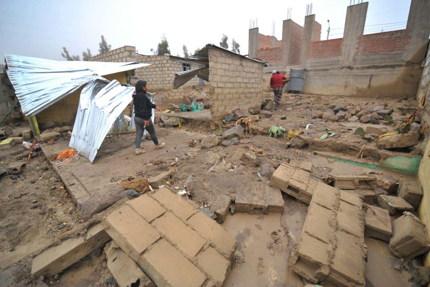 Intensas lluvias provocan desbordes y pone en alerta a la población — Arequipa