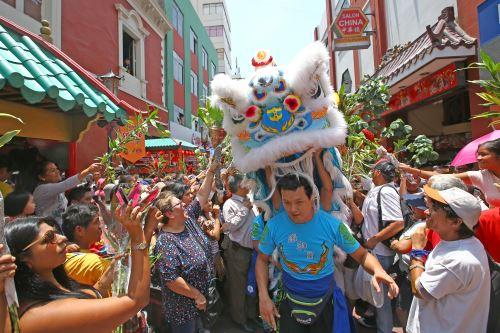 Celebración del Año Nuevo chino en Calle Capón
