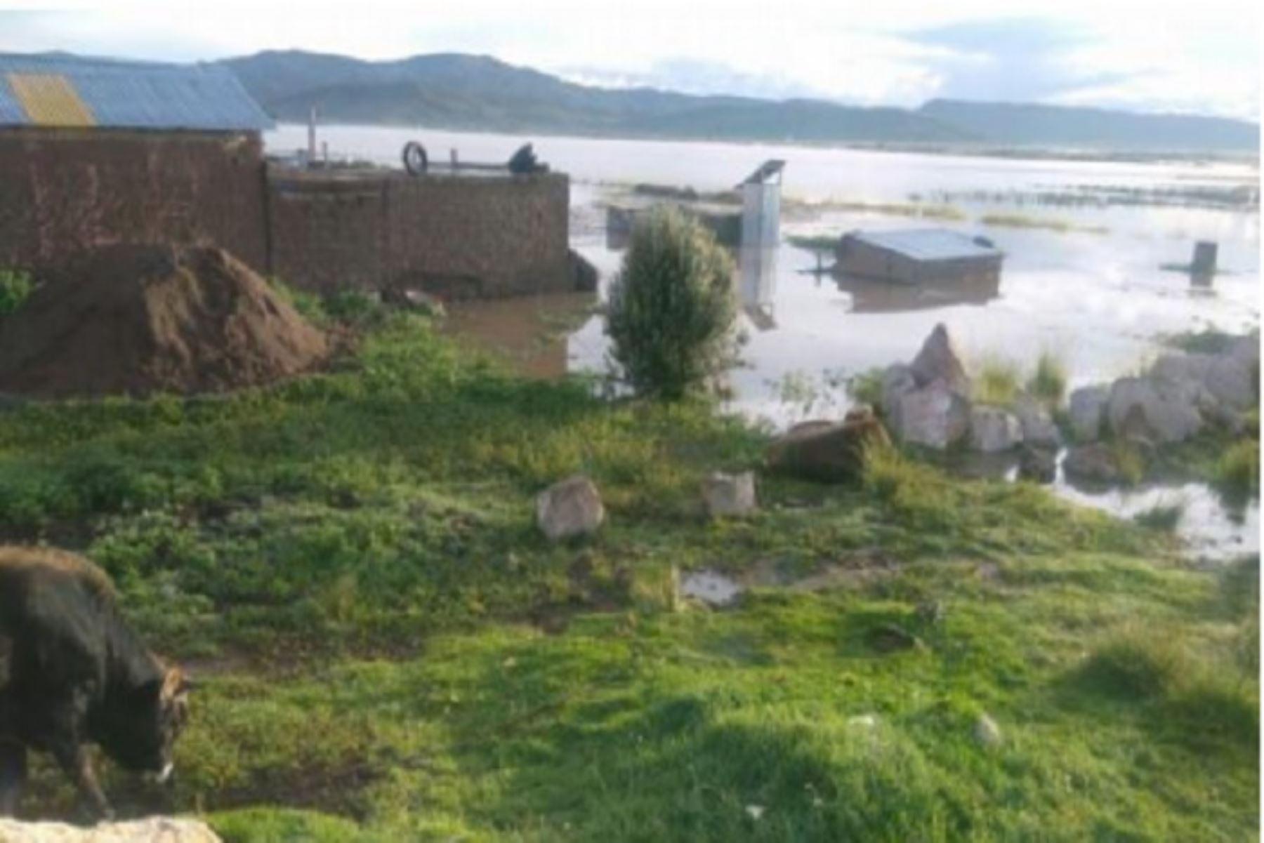 Dos zonas de San Román (Juliaca - San Miguel) se inundaron