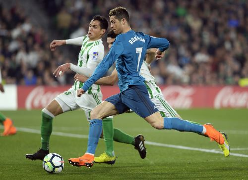 Real Madrid venció 5-3 a Betis por la Liga española