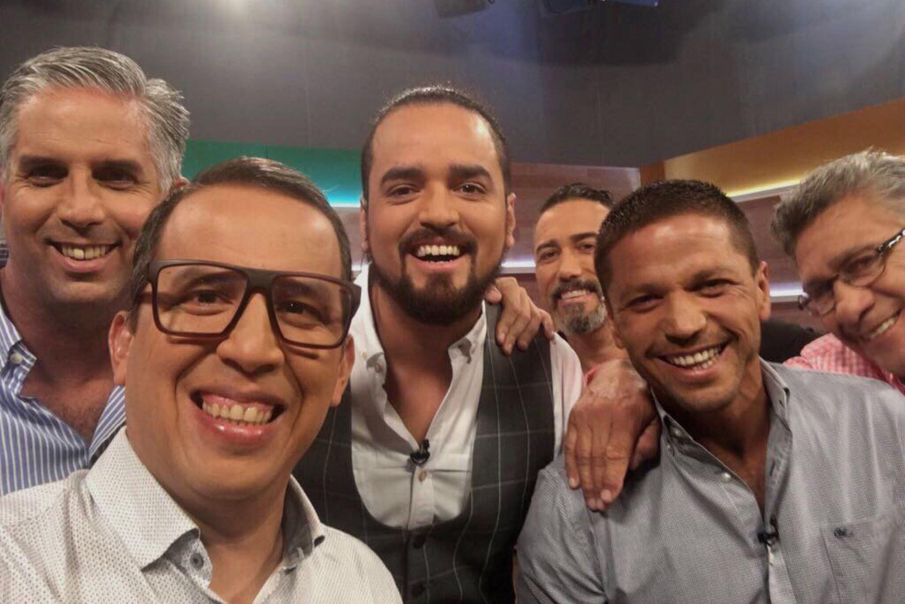 """""""Gol, gol, gol, gol, gol, goool, peruano"""", celebraba con entusiasmo y optimismo Daniel Peredo las anotaciones de la selección nacional."""