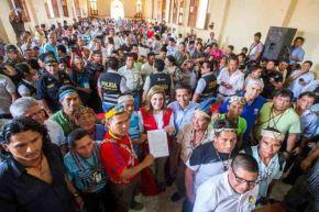 El ministro de Desarrollo e Inclusión Social (Midis), Jorge Meléndez, retornó hoy a Loreto acompañado de la jefa del Gabinete, Mercedes Aráoz, para suscribir el Acta de Nauta con las comunidades indígenas para garantizar los servicios del Estado a la población amazónica.