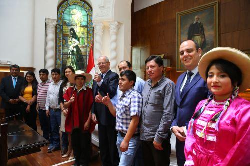 Presidente Kuczynski se reúne con dirigentes de la comunidad de Michiquillay en Palacio de Gobierno.