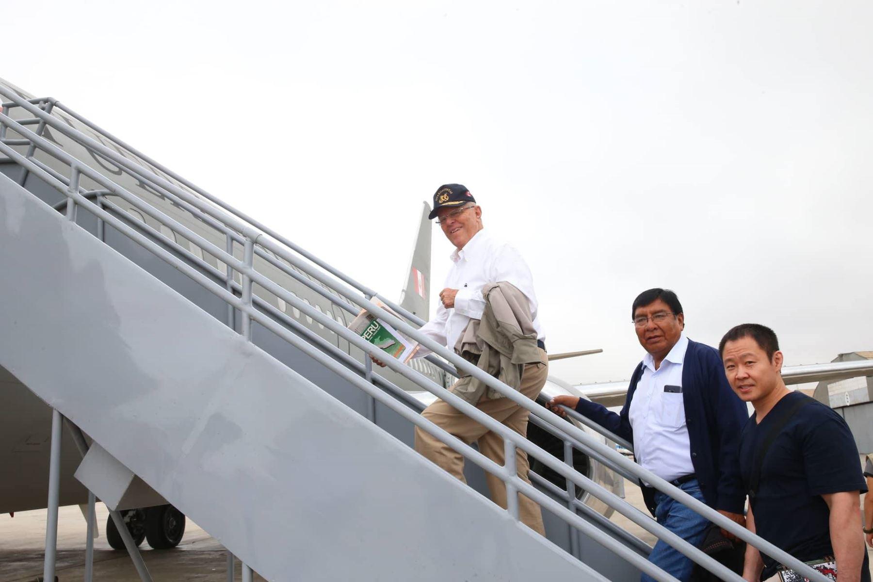 Kenji Fujimori regresa al avión presidencial al lado de PPK