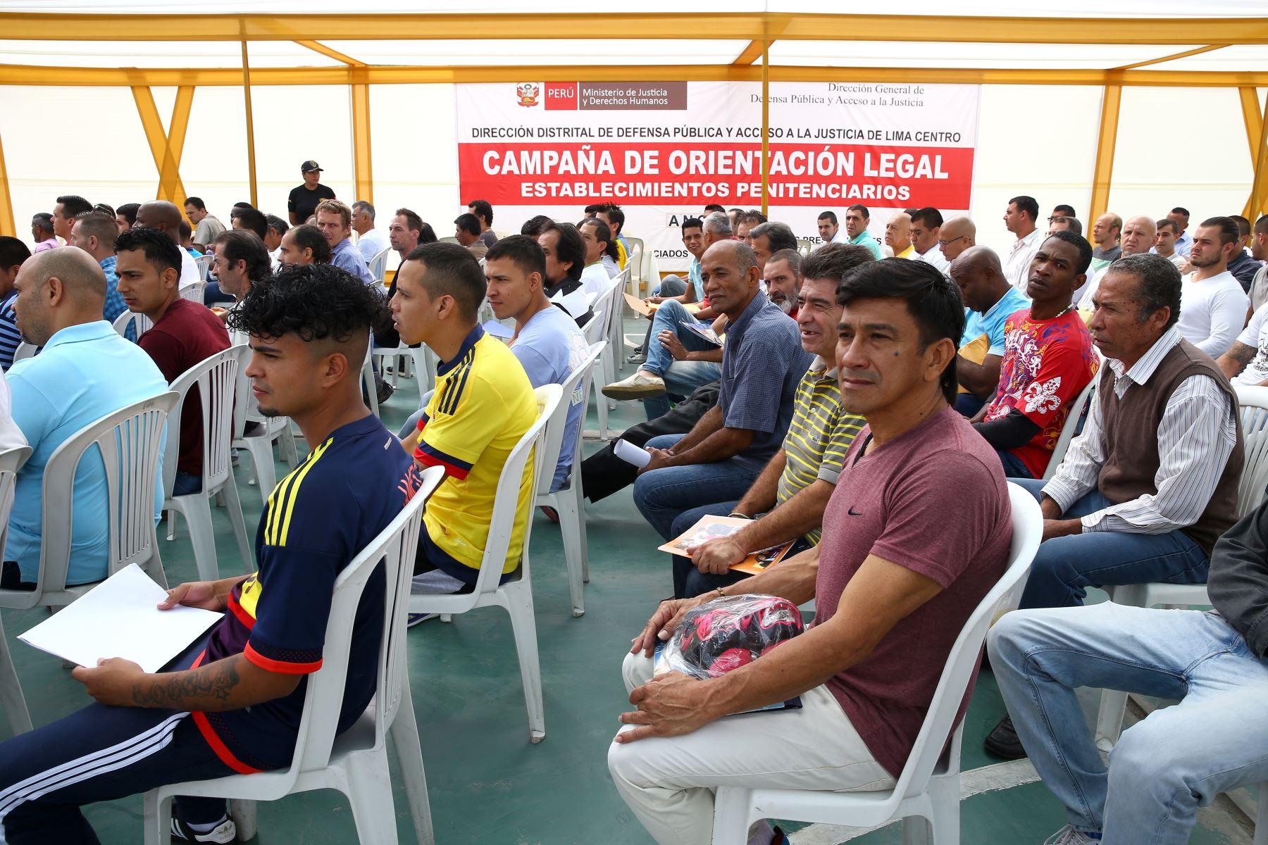 LIMA PERÚ - FEBRERO 22.  349 internos extranjeros entre, hombres y mujeres, del penal Ancón II, reciben  asistencia legal gracias a campaña del INPE.  Foto: ANDINA/Melina Mejía