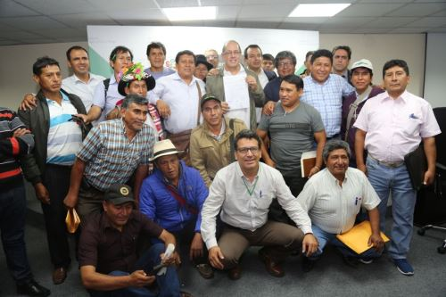 Ministerio de Agricultura firma acuerdo con productores de papa