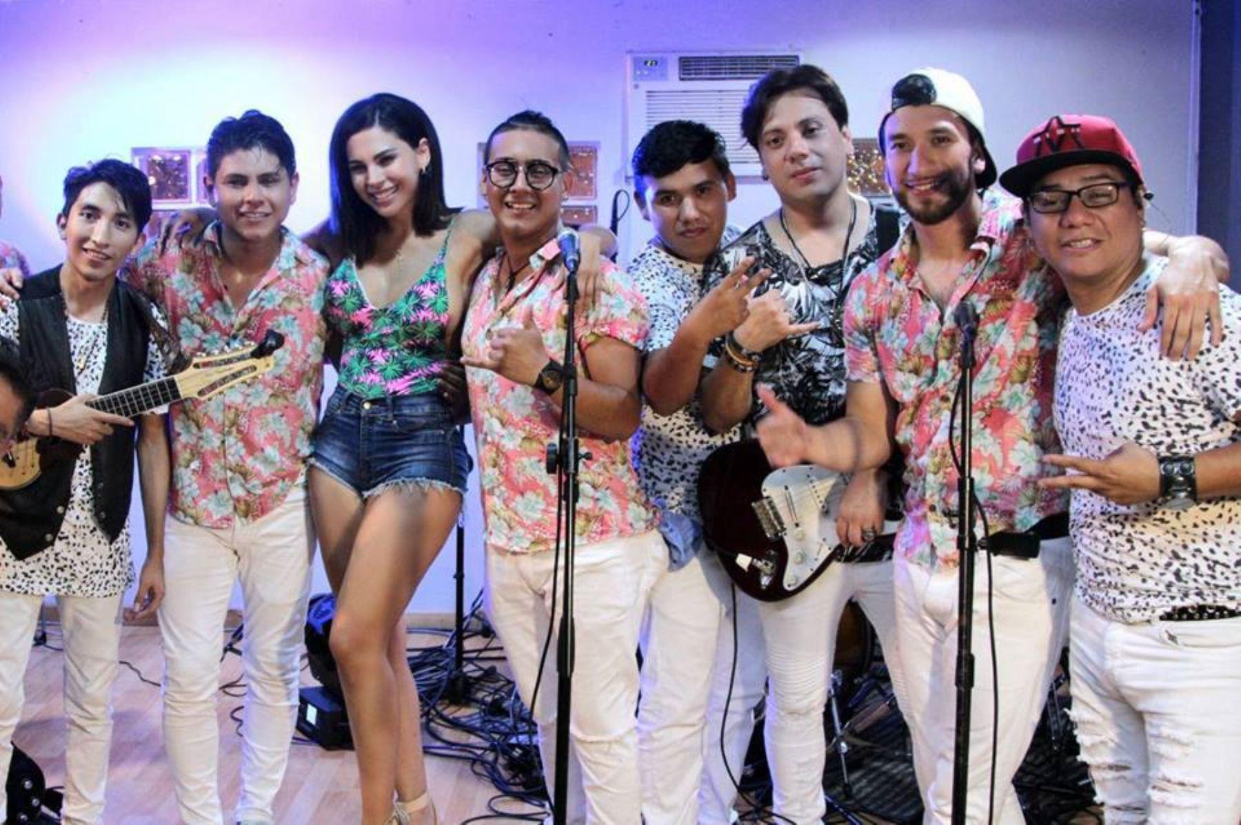 Orquesta Palo Blanco.