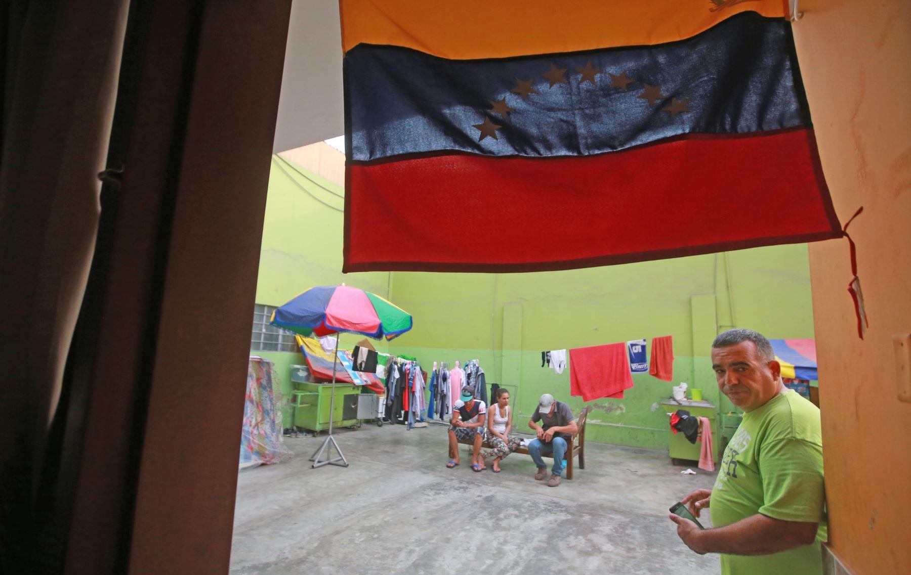 La bandera de su país siempre está presente en el lugar donde van. Foto:ANDINA/Jhony Laurente