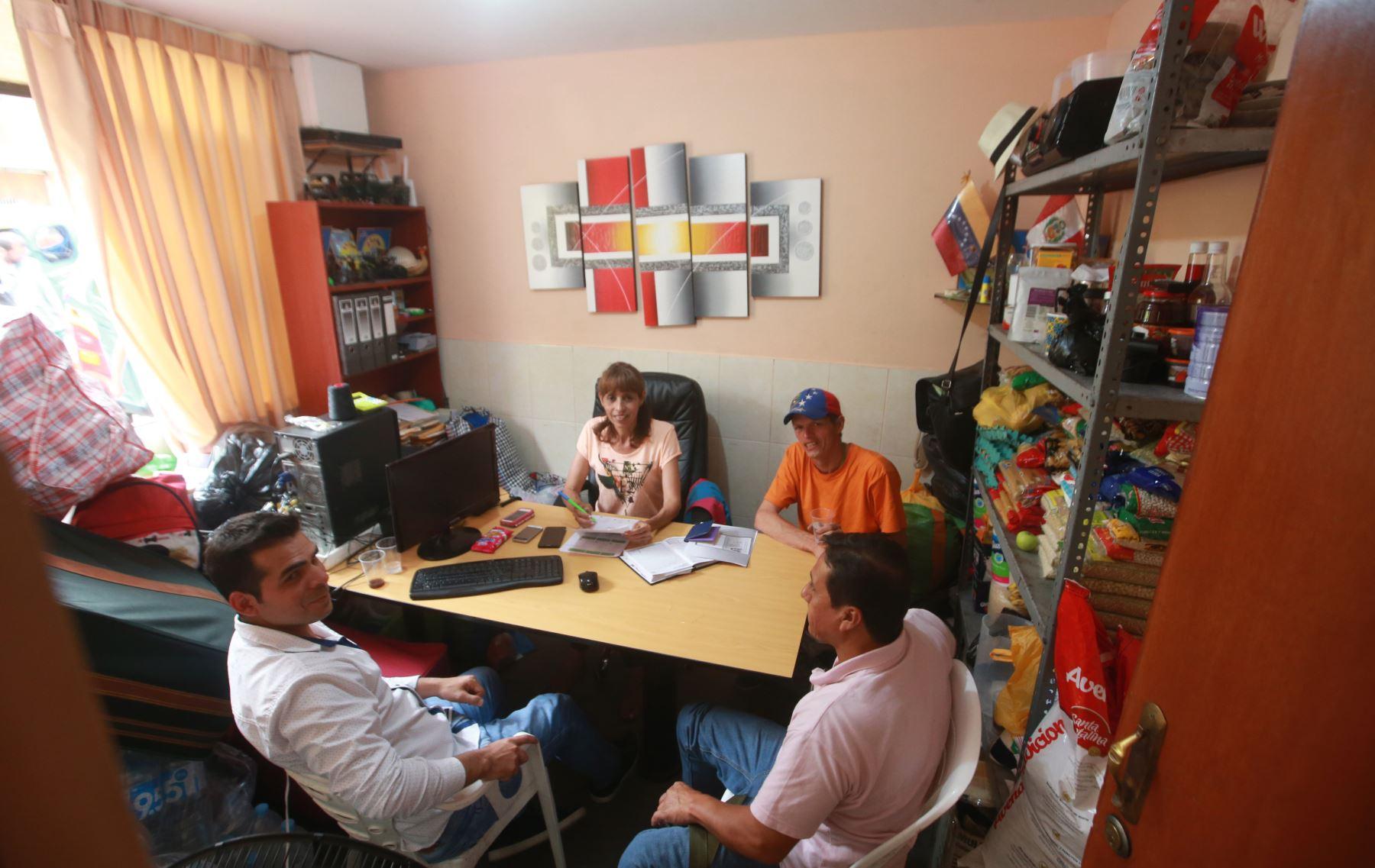 Un momento para la conversación. Hoy la canciller Cayetana Aljovín abordar el tema de los migrantes venezolanos en el Perú, su situación e impacto socioeconómico en el país. Foto.ANDINA/Jhony Laurente