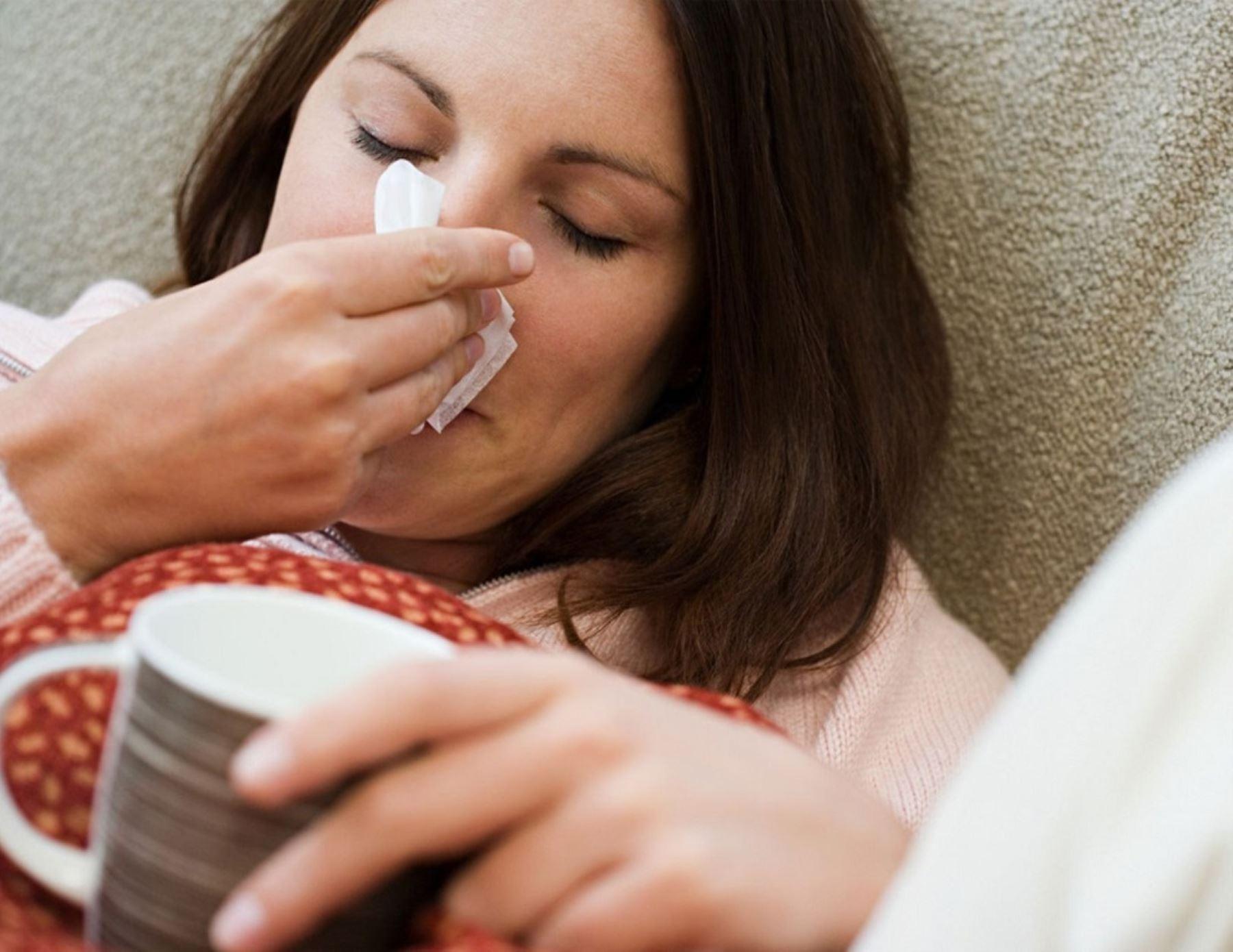De acuerdo a las cifras de Pacífico Seguros, en el 2017 los casos más frecuentes fueron resfriados (8% de los asegurados) y dolor de garganta (7% de los asegurados) que en promedio ameritaron un gasto de 283 y 230 dólares por atención, respectivamente. Foto: INTERNET/Medios