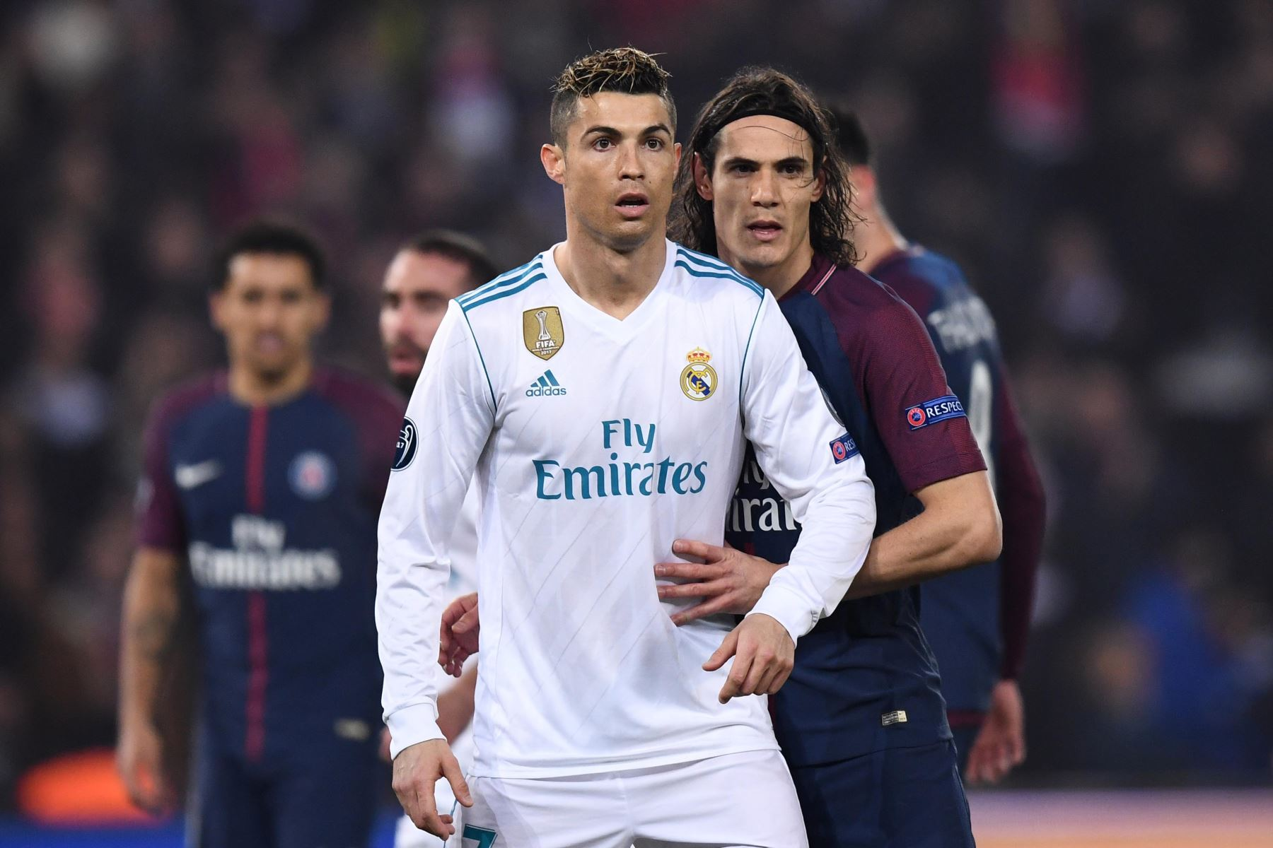 El delantero portugués del Real Madrid Cristiano Ronaldo y el delantero uruguayo Edinson Cavani del Paris Saint-Germain. Foto: AFP