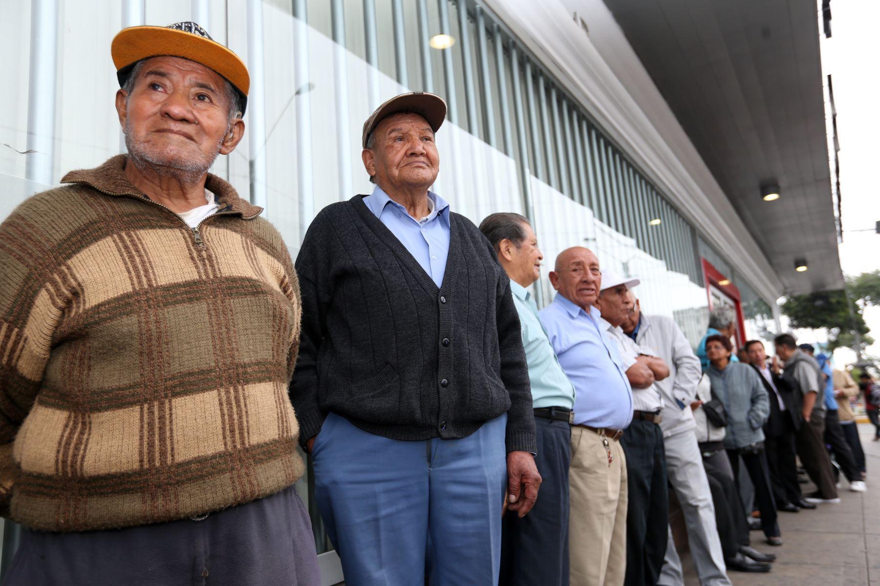 Cabe resaltar que la hipoteca inversa puede ser solicitada por ciudadanos de cualquier edad. Foto: ANDINA/Norman Córdova