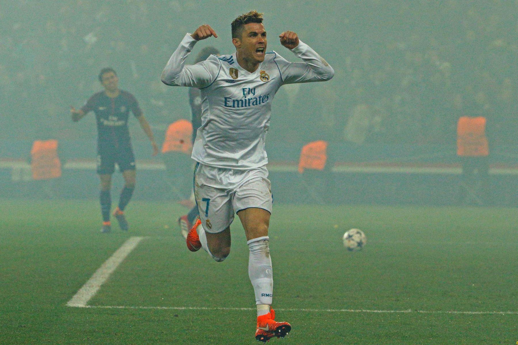 El delantero portugués del Real Madrid Cristiano Ronaldo  celebra su gol ante el Paris Saint-Germain. Foto: AFP