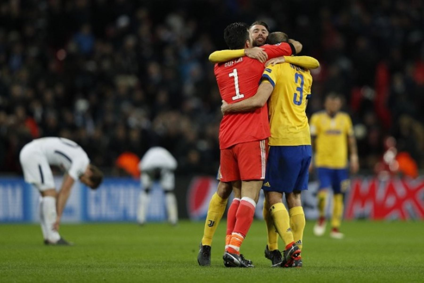 Juventus superó al Totenham, que no pudo mantener su triunfo parcial