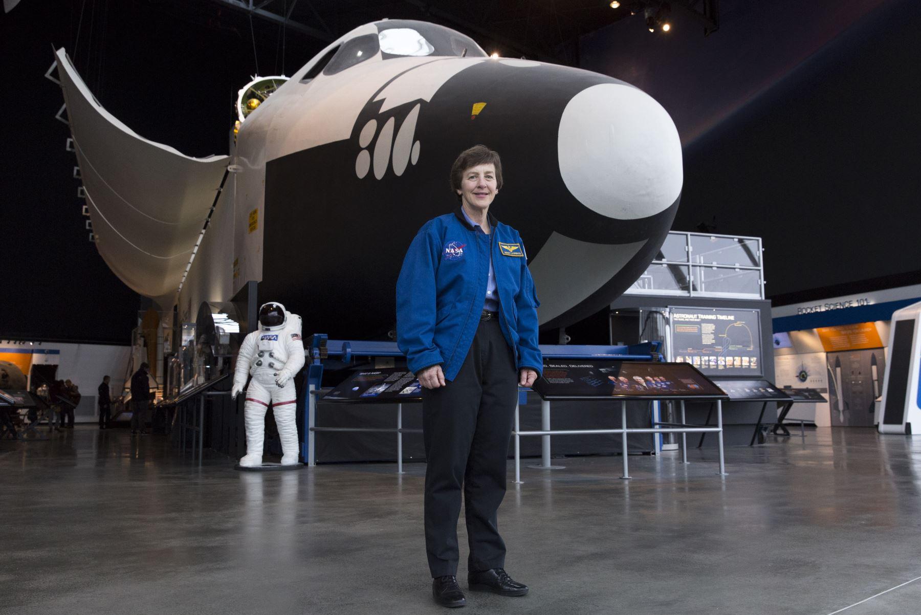 Wendy Lawrence, de 58 años, capitana de la Armada estadounidense retirada y ex astronauta de la NASA. Foto: AFP