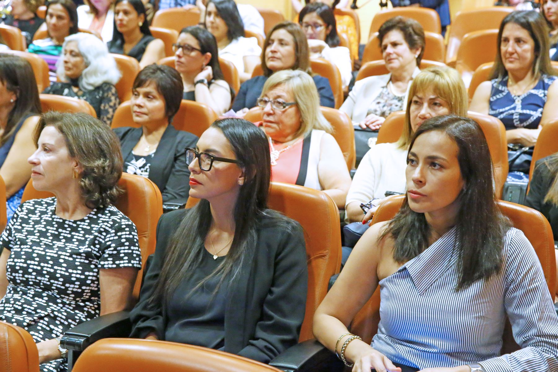 Para el presidente de la Bolsa de Valores de Lima, Marco Antonio Zaldívar, las mujeres tienen que formar parte de los directorios de empresas, pues su aporte en el mercado de capitales es necesario. ANDINA/Melina Mejía