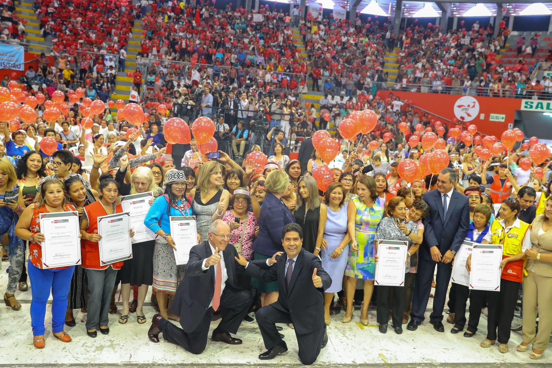 Presidente Kuczynski participa en el Encuentro de la Mujer Peruana, por el Día Internacional de la Mujer. Foto: ANDINA/ Prensa Presidencia