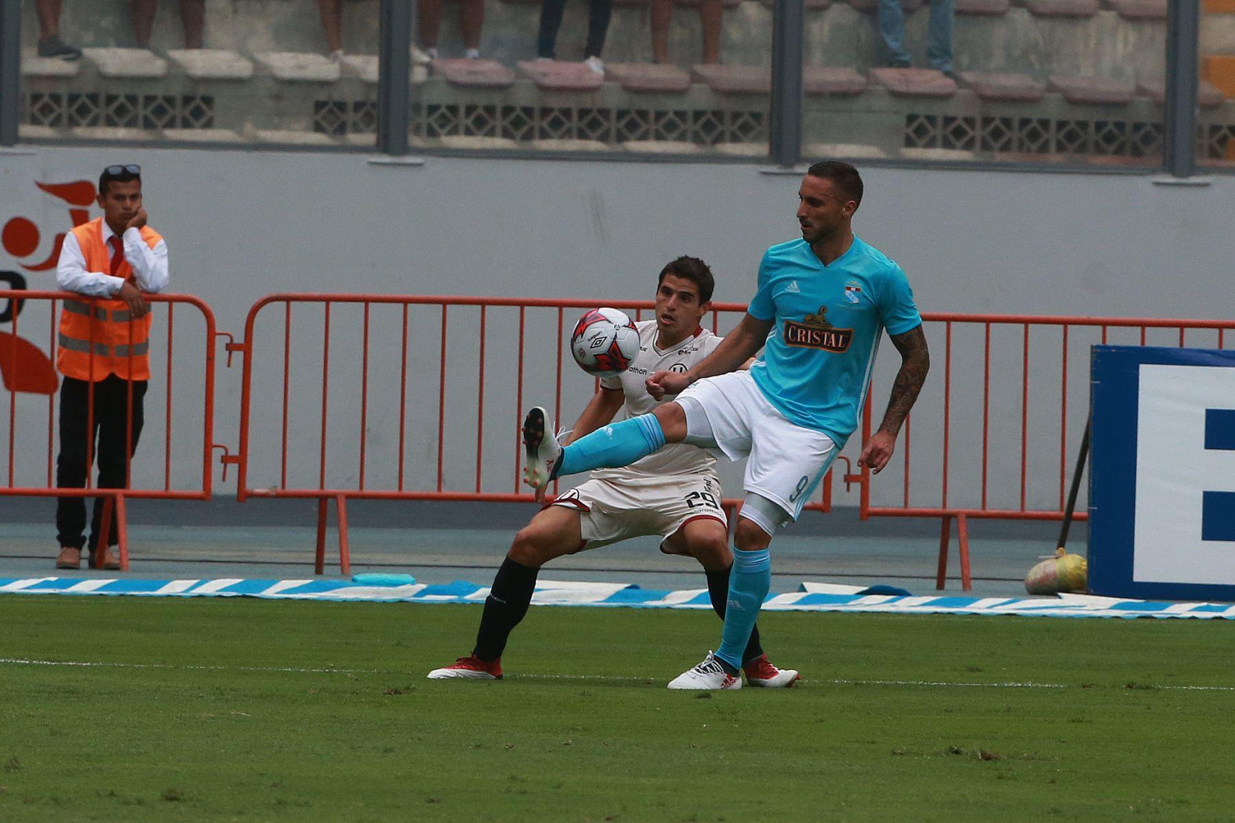 Sporting Cristal empata 1 a 1 contra Universitario de Deportes, en el Estadio Nacional. Foto: ANDINA/ Jhony Laurente