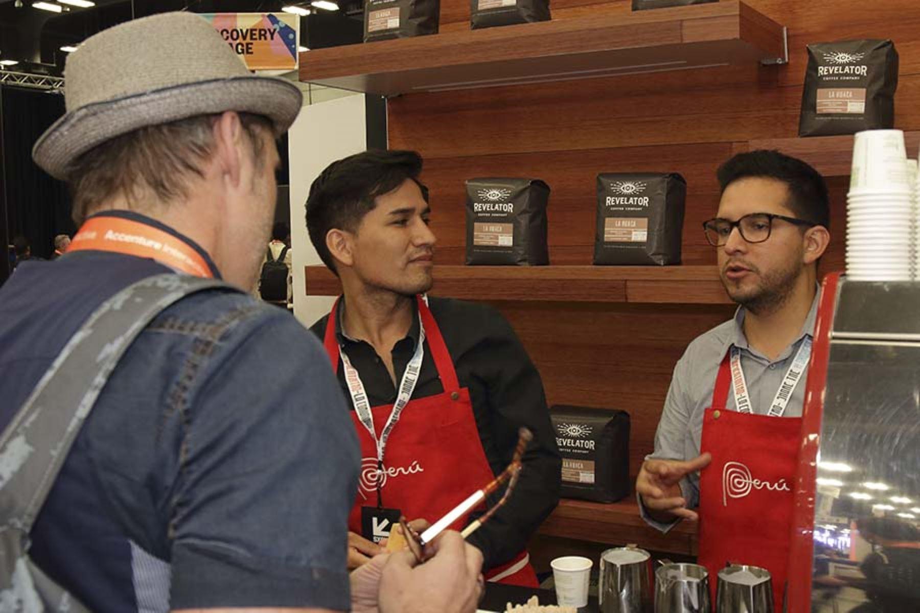 Harryson Neira inauguró su cafetería Neira Café Lab, en Miraflores, para promover el consumo de este producto peruano. Foto: Promperú