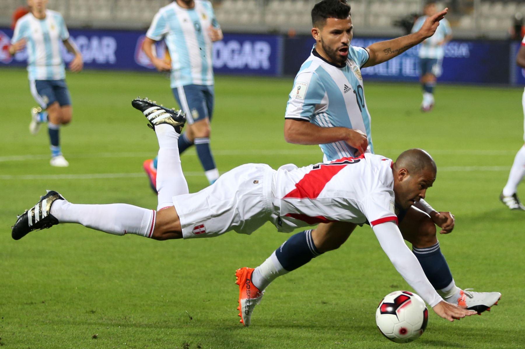 Alberto Rodríguez se volvió a lesionar — Selección Peruana