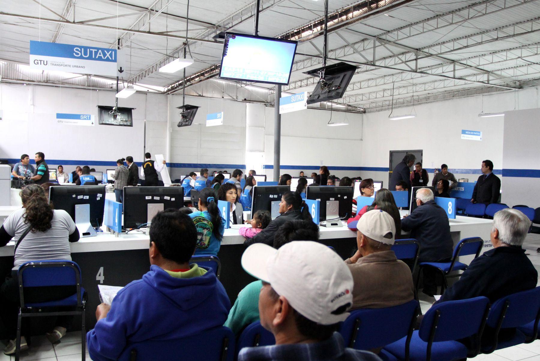 Entre las entidades que eliminaron más barreras burocráticas, se encuentra en primer lugar la Municipalidad Distrital de Breña con 377 barreras Burocráticas eliminadas. Foto: ANDINA/archivo