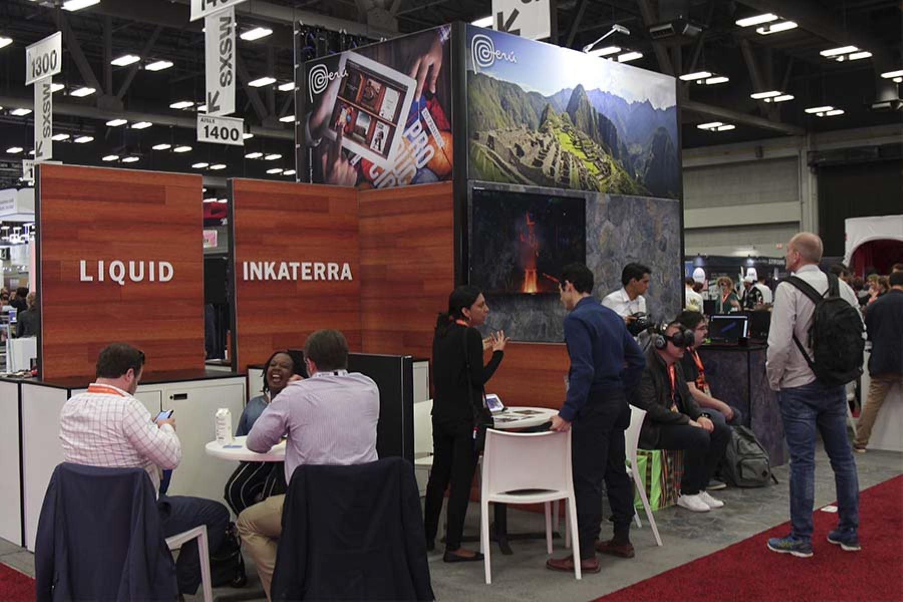 """El estand de Marca Perú destaca diez """"startups"""" y empresas peruanas con proyectos de innovación en el festival de cine y tecnología SXSW, en Austin, Texas.  Foto: Promperú."""