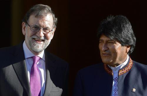 Mariano Rajoy recibe a Evo Morales. Foto: AFP