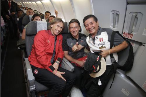 Selección peruana rumbo a Estados Unidos para jugar amistosos