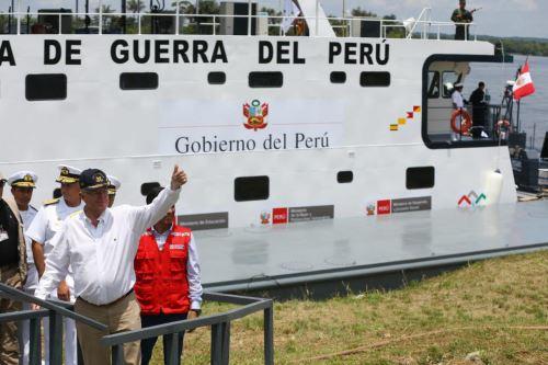 Presidente  Pedro Pablo Kuczynski visitó el Servicio Industrial de la Marina de Iquitos (SIMAI)