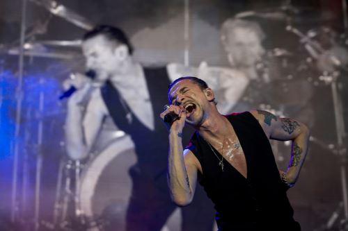 Depeche Mode llenó la noche y parte de la madrugada limeña con su único show